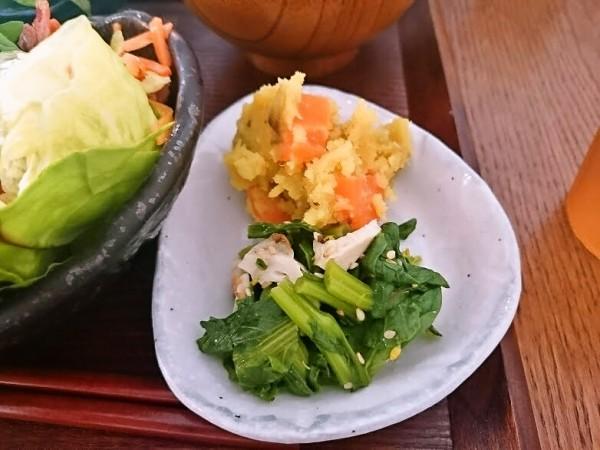 えびマヨと有機野菜のオリエンタル風 880円