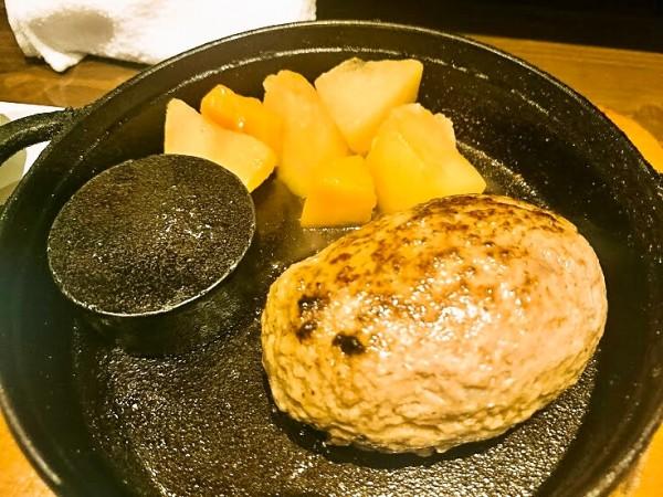 粗挽きの肉肉しさが美味しい神戸牛ハンバーグ