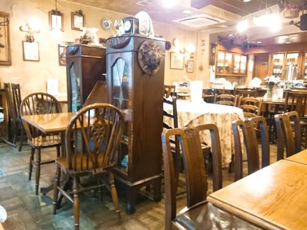 西洋茶館店内