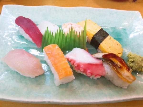 並定食 600円(税別)