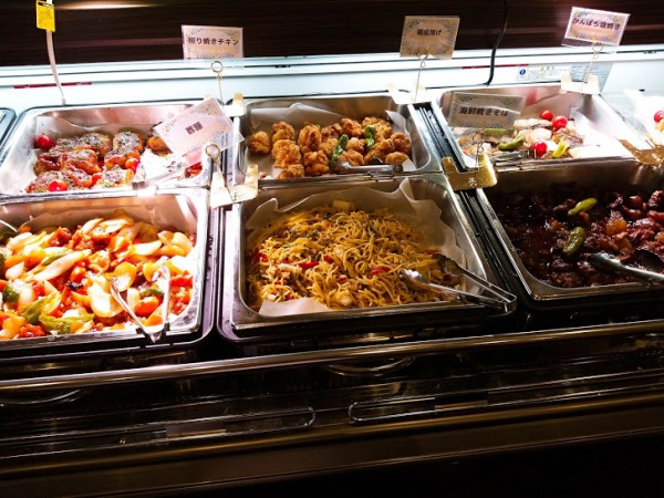 お惣菜やフルーツ・デザート、寿司、海鮮類