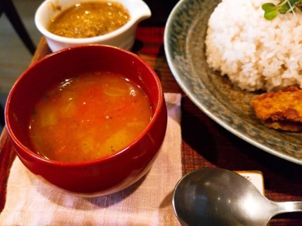 スパイストマトスープ