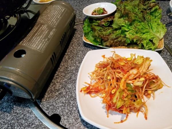 葱サラダとチシャ。